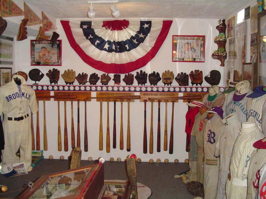 Vintage Baseball Collectors Showcase